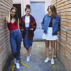Fashion is timeless and these are just some of the basic styles that have made a comeback and they actually look pretty awesome.
