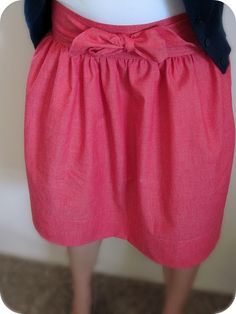 I have a feeling this easy to sew skirt will become a favorite piece of mine for summer 2011.