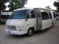 GMC Motorhome w/slideout Motorhome Interior, Gmc Motorhome, Airstream Trailers, Vintage Rv, Vintage Trailers, Cool Rvs, Motorhome Travels, Rv Motorhomes, Rv Bus