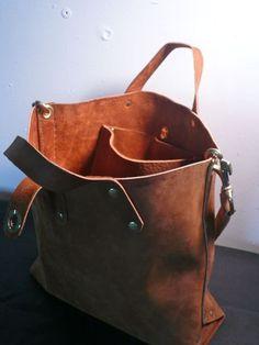 brown leather flaneur totebag van fluxproductions op Etsy