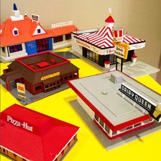 A look at my growing scale model collection. Models include Howard Johnson's, Burger King, KFC, Pizza Hut and Dairy Queen!