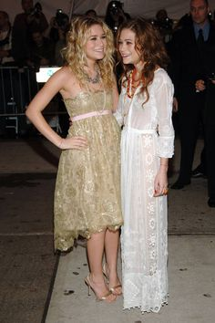 May 2, 2005 - love the white lace dress!