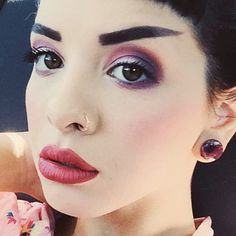 Melanie Martinez wore two-shades purple and burgundy eyeshadow makeup and dark red lipstick Makeup Inspo, Makeup Tips, Beauty Makeup, Makeup Monolid, Melanie Martinez Makeup, Celebrity Makeup Looks, Cry Baby, War Paint, Red Lipsticks