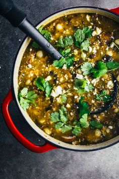 This Mushroom Poblano Posole Verde is packed full of zingy flavor and hearty nutrition! Vegetarian and vegan friendly. 240 calories.