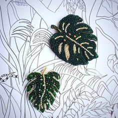 Monstera leaf brooch green tropical plant beaded jewelry