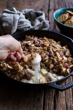 "foodffs: "" Apple Crisp Baked Brie Really nice recipes. Every hour. Thanksgiving Recipes, Fall Recipes, Holiday Recipes, Yummy Recipes, Fall Appetizers, Appetizer Recipes, Brie Appetizer, Snacks Sains, Apple Crisp Recipes"