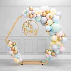 (not necessarily with the frame - just the balloon clusters) Baby shower inspiration for photos Deco Baby Shower, Baby Shower Balloons, Shower Party, Baby Shower Parties, Baby Shower Themes, Baby Boy Shower, Baby Showers, Wedding Balloon Decorations, Wedding Balloons