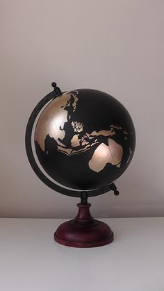 globe terrestre carte du monde argent et cuivr globe terrestre terrestre et maison du monde. Black Bedroom Furniture Sets. Home Design Ideas