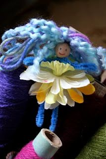 Pink and Green Mama: EASY Kid Craft: Pipe Cleaner Flower Fairies