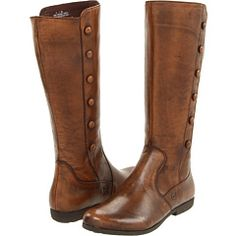 I think I finally found my perfect brown riding boots...now who wants to buy them for me? ;)