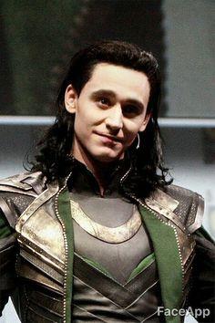 You received a message on We Heart It Loki Thor, Loki Laufeyson, Thomas William Hiddleston, Tom Hiddleston Loki, Marvel Funny, Marvel Avengers, Bucky Barnes, Loki Aesthetic, Loki God Of Mischief