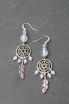 Dreamcatcher Earrings, Moonstone Earrings, Feather Earrings, Silver And Moonstone Jewelry, Made In C on Luulla