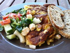 Salad + omelet + wholewheat bread = nice dinner - http://www.amazon.com/Smart-Cooking-Busy-People-ebook/dp/B00CQX26OM/ref=la_B00CR71RSS_1_1?ie=UTF8=1368421900=1-1
