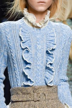 Philosophy Di Lorenzo Serafini at Milan Fashion Week Fall 2015 Knitwear Fashion, Knit Fashion, Look Fashion, High Fashion, Autumn Fashion, Milan Fashion, Moda Crochet, Fashion Details, Fashion Design