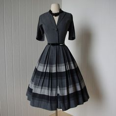 vintage 1950s dress. I would wear this if I found it somewhere.