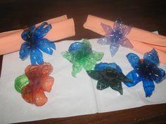 Portasalviette colorati per le vostre cene e le vostre feste.... creati artigianalmente da bottiglie in pet.