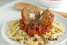 10 Meatball Recipes, including these Cheesy Mozzarella Stuffed Meatballs- YUM!- over spaghetti squash Yum Meatball Recipes, Meat Recipes, Dinner Recipes, Cooking Recipes, Meatball Appetizers, Group Recipes, Pasta Recipes, Yummy Recipes, Dinner Ideas