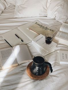 Maybe reading Finnegans Wake and Essayism has become my early September, end-of-summer tradition. Maybe I'm just going in small circles that aren't widening. Finnegans Wake, Coffee And Books, Study Inspiration, Studyblr, Study Notes, Study Motivation, About Me Blog, Stationery, In This Moment