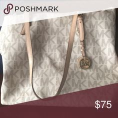 Michael Kors purse Cream colored purse a little more slouchy. Michael Kors Bags Shoulder Bags
