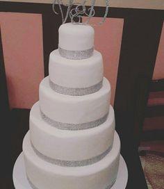 Big sparkly wedding cake