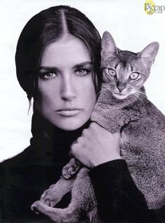 Demi Moore and her kitty