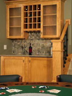 https://i.pinimg.com/236x/7d/04/68/7d04687e4bd00e122daea67f8359e65f--home-bar-designs-kitchen-designs.jpg