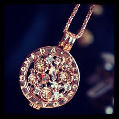 how to bitcoin Jewelry Photography, Crypto Currencies, Jewerly, Jewelry Accessories, Rose Gold, Bling, Pendant Necklace, Pure Products, Diamond