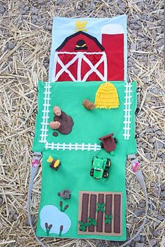 Farm Play Mat - or quiet book pages Felt Play Mat, Play Mats, Diy For Kids, Crafts For Kids, Craft Projects, Sewing Projects, Felt Quiet Books, Operation Christmas Child, Homemade Toys