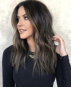 Unique Hairstyles, Workout Videos, Long Hair Styles, Hair Ideas, Beauty, Long Hairstyle, Long Haircuts, Long Hair Cuts, Beauty Illustration