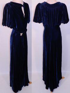 1930s Vintage Blue Velvet Rhinestone Clasp Belted Bias Cut Evening Gown Dress | eBay(150)