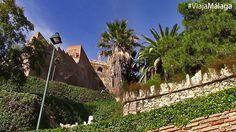Junto a La Coracha, los Jardines de Puerta Oscura son uno de los accesos para subir al Mirador de Gibralfaro.