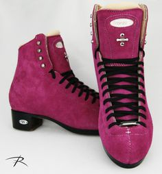 How about fuchsia suede, black soled, Bronze Stars to kick your skating wardrobe up a notch? Roller Skating, Ice Skating, Figure Skating, Custom Boots, Skates, Fashion Forward, Combat Boots, High Top Sneakers, Bronze