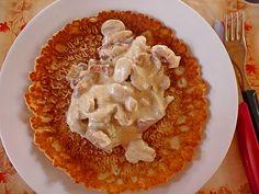 Pfannkuchen mit Pilzen und Speck an Cognac-Schmandsoße, ein schönes Rezept aus der Kategorie Snacks und kleine Gerichte. Bewertungen: 4. Durchschnitt: Ø 4,2.