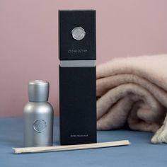 Met deze geurstokjes voorziet u uw woning van een heerlijke geur. De Clear Ocean Fragrance Diffuser in luxe geschenk box Zilver is een ware geursensatie!