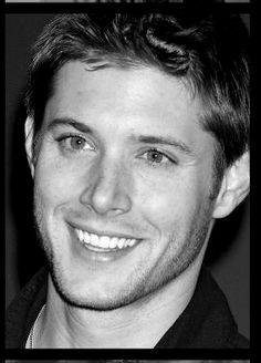 Good God. I'm not even on the receiving end of this smile and I feel butterflies. How does Daneel handle it?