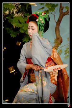 Kamishichiken Maiko I by tensai-riot on DeviantArt