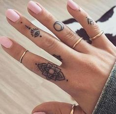16 Tiny Tattoos That Are Too Cute