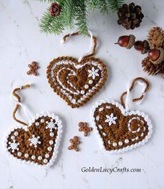 Crochet Heart Christmas Ornament - GoldenLucyCrafts
