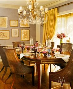 gold arm chairs & gold details Design by Madeline Stuart; the yellow with the grayish purple and the warm wood is lovely. I like the mustard/gold color mixed with pastels. Mini shades on a chandelier are also a favorite look. Elegant Dining Room, Beautiful Dining Rooms, Dining Room Design, Room Inspiration, Design Inspiration, Design Ideas, Design Trends, Yellow Dining Room, Interior Decorating
