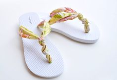 The Knot So Hard Flip Flop Diy flip flops kitchen scissors or an exacto knife about a 1/4 yard of fabric off the bolt, or scrap fabric hot glue – not necessary, but if you have it, it couldn't hurt  MAKE THIS PROJECT!