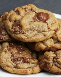 These Peanut Butter Cup Cookies Are Actual Bites Of Heaven Erdnussbutter-Cup-Plätzchen Cookie Desserts, Just Desserts, Cookie Recipes, Delicious Desserts, Dessert Recipes, Delicious Cookies, Pastry Recipes, Peanut Butter Cups, Peanut Butter Recipes
