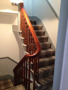 Best Carpet For Boat Runners Key: 3984407163 Grey Tartan Carpet, Grey Carpet, Cottage Hallway, Tartan Decor, Stair Landing, Carpet Installation, Cheap Carpet Runners, Hallway Decorating, Decorating Ideas