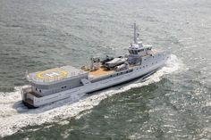 Game Changer is a yacht support vessel by DAMEN - the mother company of AMELS. Game Changer features an helicopter hangar. Deck Boat, Below Deck, Cool Boats, Base Jumping, Whitewater Kayaking, Canoe Trip, Boat Design, Navy Ships, Power Boats