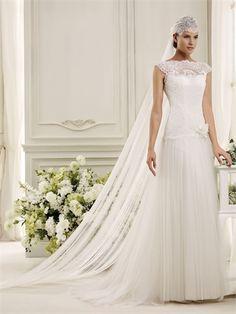 Bateau A-line Flower Lace Apppliques Tulle Wedding Dress WD2448