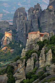 Clifftop, Meteora, Greece https://www.pinterest.com/halinalis/breathtaking-view/