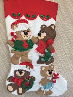 Osos fiestas completado media fieltro hecho por GrandmasStitchings Felt Christmas Stockings, Holiday Decor, Etsy, Beautiful, Handmade Felt, Needle Felted Ornaments, Fabrics, Christmas Ornaments, Christmas Stockings