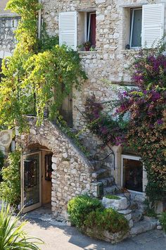 I'm deciding between places like Paris, Provence and Alsace on where to stay if I go to France someday. And it looks like Provence is winning. Wonderful Places, Beautiful Places, Provence France, Paris France, French Countryside, Stone Houses, South Of France, Stairways, Exterior Design