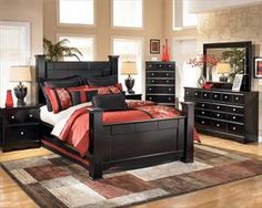 The bedset Chris and I are getting for our new place this weekend! I love the black finish, it's going to look awesome!