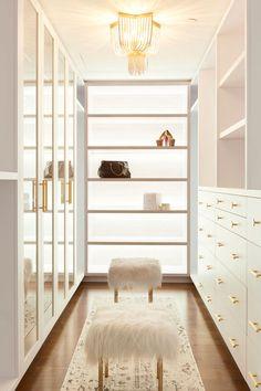 trendy white closet bedroom decor walk in Walk In Closet Design, Bedroom Closet Design, Home Room Design, Dream Home Design, Closet Designs, Bedroom Decor, House Design, Master Bedroom, Walk In Robe Designs