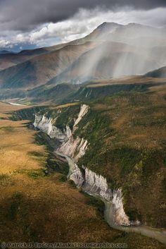Hammond River Canyon, Gates of the Arctic National Park, Brooks range mountains, Alaska.